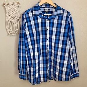 Apt. 9 Blue & White Long Sleeve Button Down Shirt